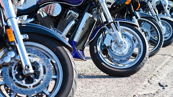 Fila de motos usadas en venta