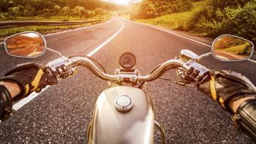 Consejos-de-seguridad-para-conducir-una-motocicleta